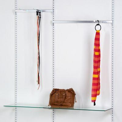 Tøjinventar inkl. ophæng bredde 150 cm - består af 3 vægskinner i højde 219 cm1 ophængsbom 60 cm - 1 ophængsbom 90 cm - 1 fronthæng - 2 glashylder - 2 varekroge