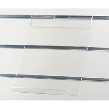 Acrylhylde for stående A4 brochure med stopkant - klar akryl for rillepaneler<br />mål B23xD32 cm - A4 brochure