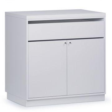 Butiksdisk i hvid inkl. topplade i hvid slidstærk laminat samt 1 skuffe og 2 låger<br />mål længde 90 cm - diskdybde 60 cm - højde 92,5 cm