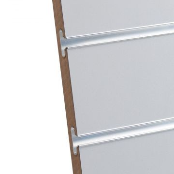Rillepanel i lys grå med sporafstand på 10 cm<br />mål H195,5xB86,5 cm og passer for L-søjler H202 cm